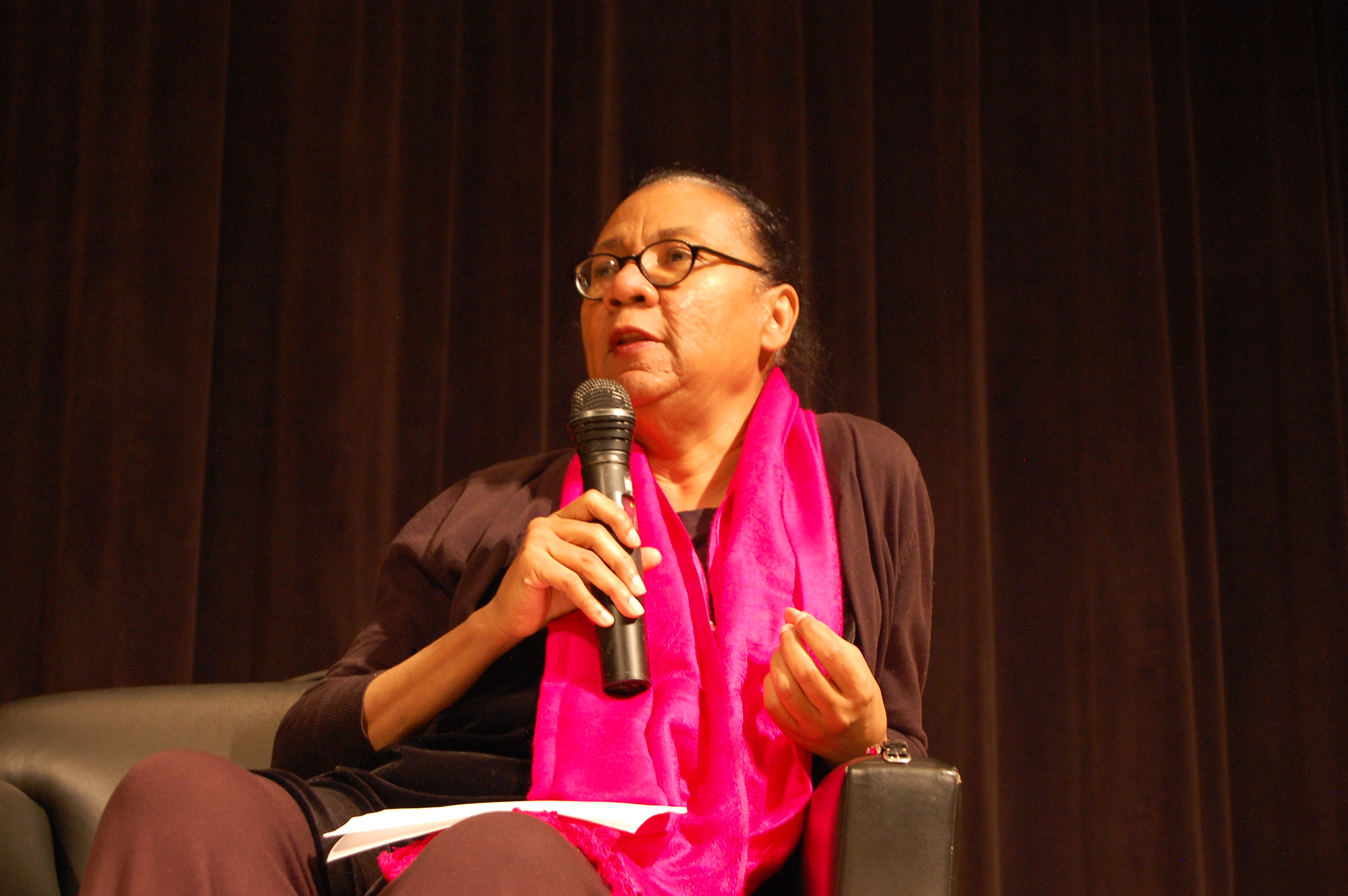 bell hooks essays online Free essay: bone black in the book bone black, bell hooks gives a vivid  she  was referring to, i looked them up on the merriam-webster online dictionary.